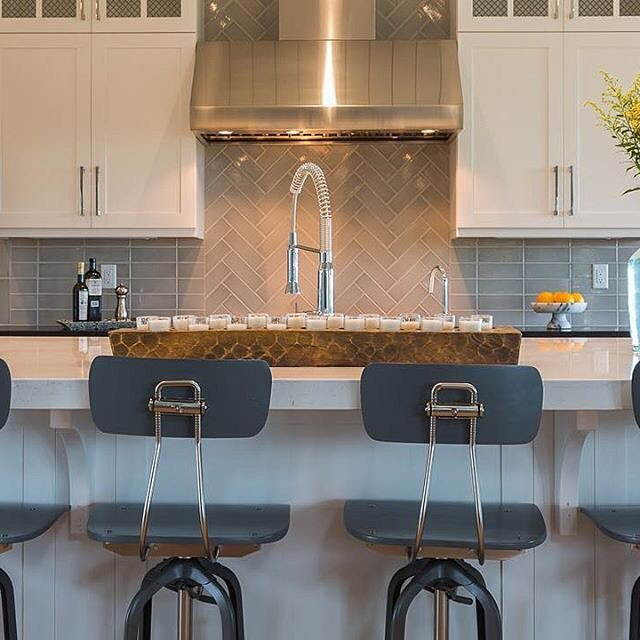 JC Breeze is a stunning accent to any kitchen.